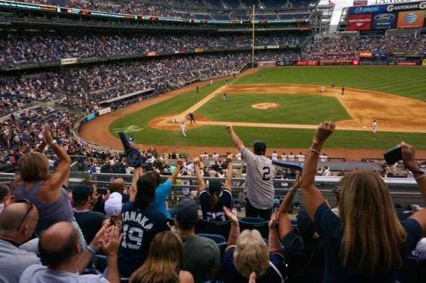 Yankee Stadium, vak: 216, rij: 6, stoel: 214