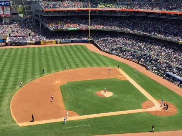 Yankee Stadium, vak: 425, rij: 3, stoel: 3