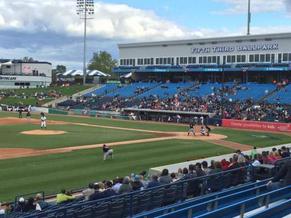 Fifth Third Ballpark, vak: 225, rij: 16, stoel: 1