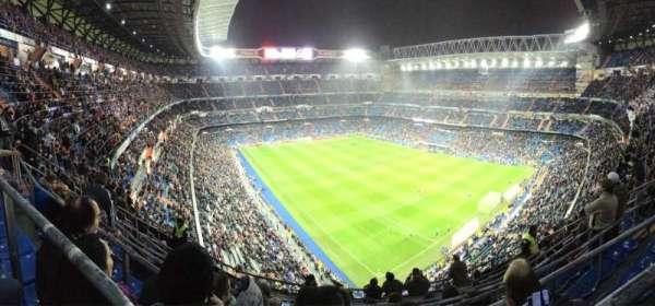 Santiago Bernabéu Stadium, vak: 516, rij: 8, stoel: 21