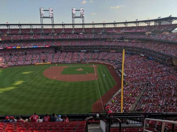 Busch Stadium, vak: 372, rij: 13, stoel: 2