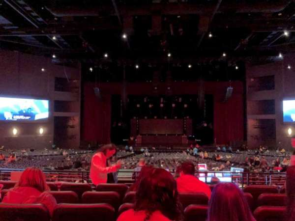 Microsoft Theater, vak: Loge Center, rij: F, stoel: 312