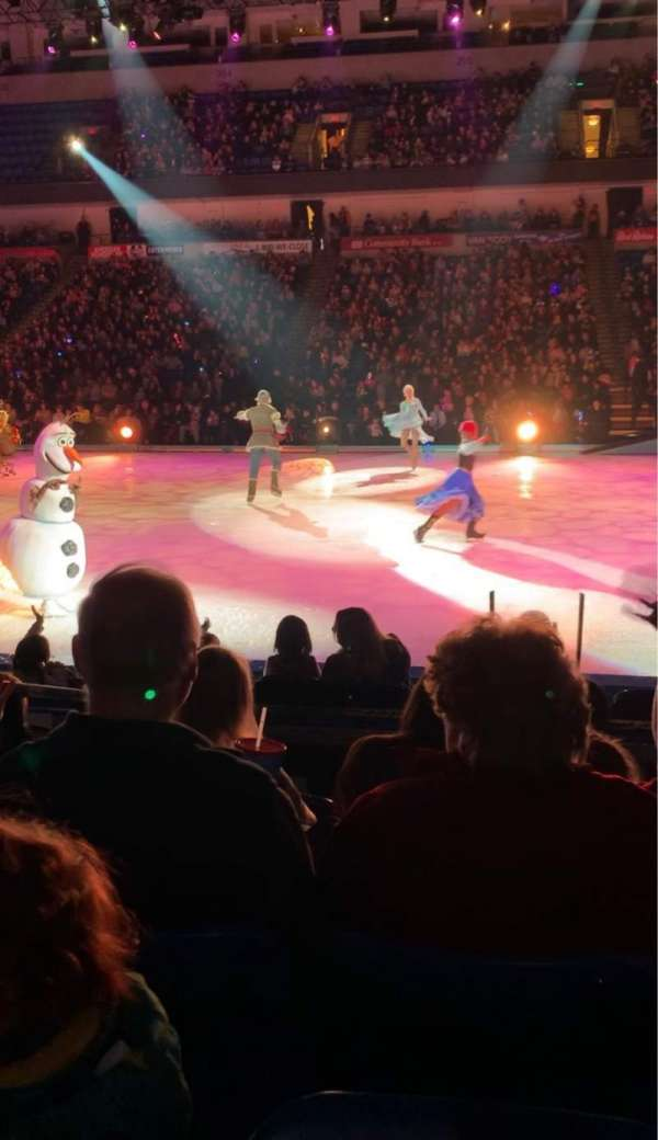 Mohegan Sun Arena at Casey Plaza, vak: 116, rij: E, stoel: 6
