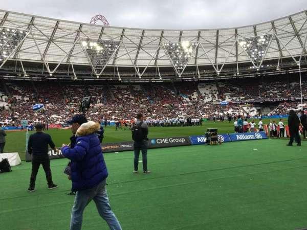London Stadium, vak: 106, rij: 2, stoel: 356