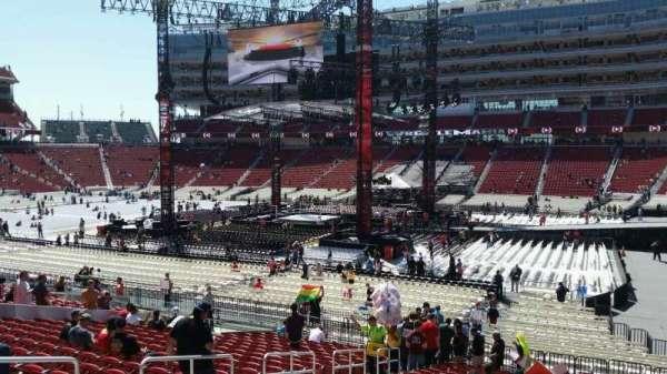Levi's Stadium, vak: 111, rij: 24, stoel: 13