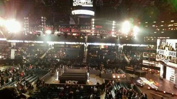Allstate Arena, vak: 210, rij: C, stoel: 30