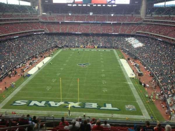NRG Stadium, vak: 546, rij: M, stoel: 23