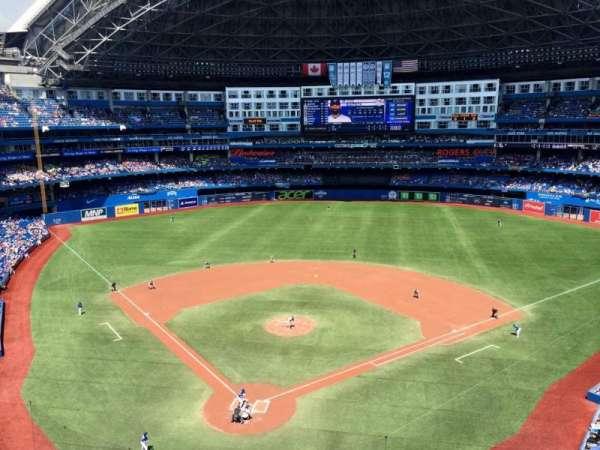Rogers Centre, vak: 523L, rij: 1, stoel: 107