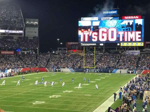 Nissan Stadium, vak: 143, rij: GG, stoel: 16