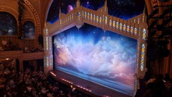 Eugene O'Neill Theatre, vak: Mezzanine C, rij: B, stoel: 26