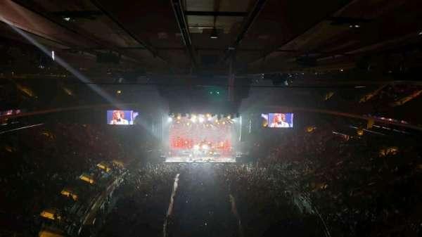 Madison Square Garden, vak: 305, rij: 1, stoel: 3