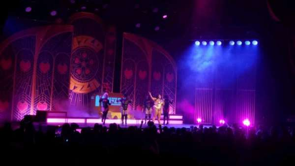 Radio City Music Hall, vak: Orchestra 6, rij: WW, stoel: 611