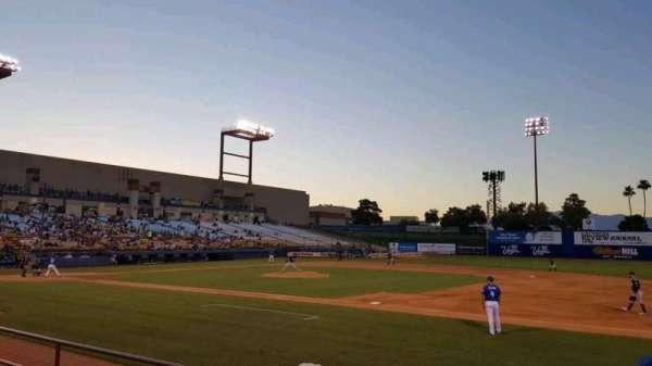 Cashman Field, vak: 19, rij: D, stoel: 4