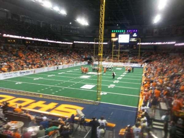 Spokane Arena, vak: 123, rij: T, stoel: 4