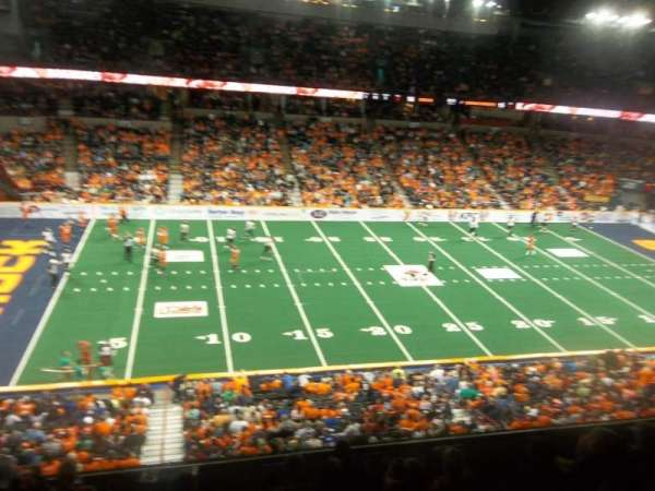 Spokane Arena, vak: 215, rij: M, stoel: 18