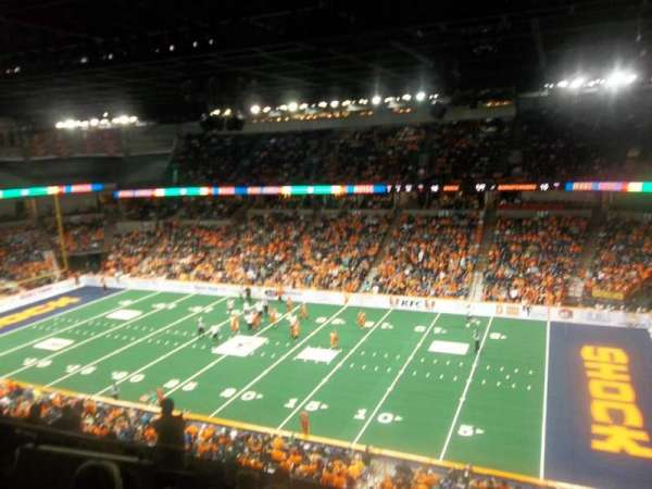Spokane Arena, vak: 218, rij: L, stoel: 2