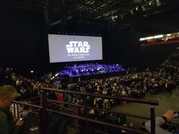 Manchester Arena, vak: 106, rij: M, stoel: 1