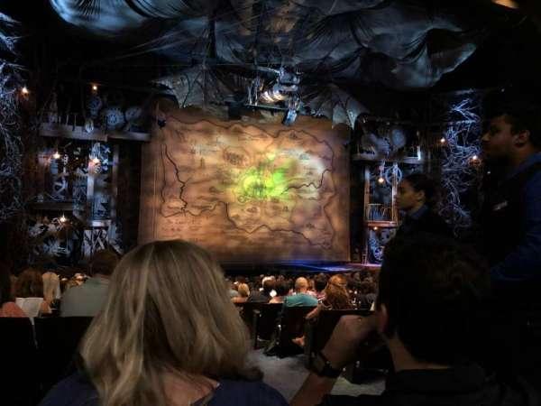 Gershwin Theatre, vak: Orch, rij: R, stoel: 1