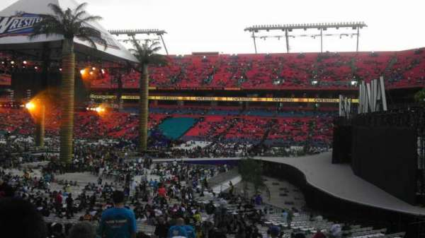 Hard Rock Stadium, vak: 110, rij: 22, stoel: 17