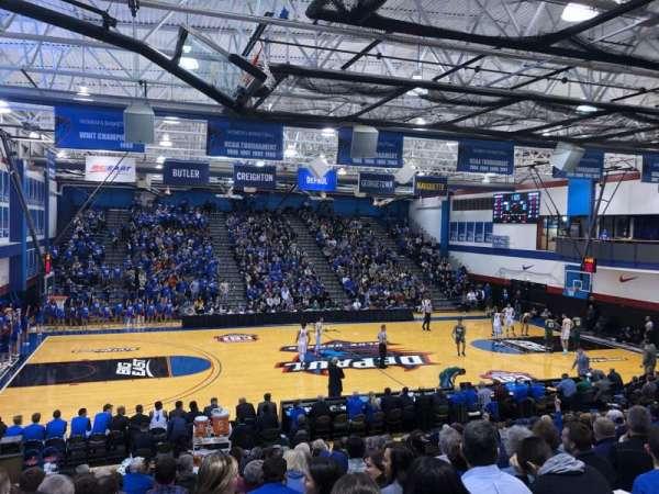 Sullivan Athletic Center, vak: D, rij: 20, stoel: 13