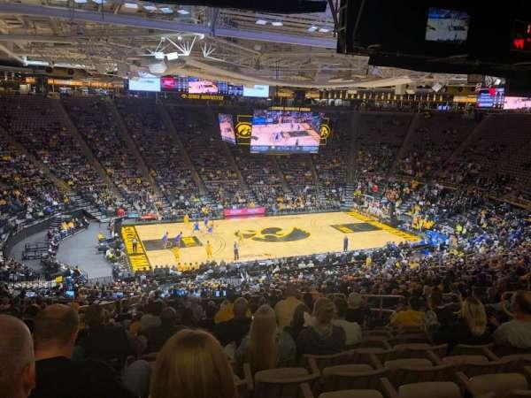 Carver-Hawkeye Arena, vak: BB, rij: 40, stoel: 10