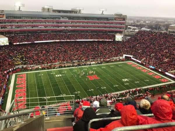 Memorial Stadium (Lincoln), vak: 610, rij: 9, stoel: 19