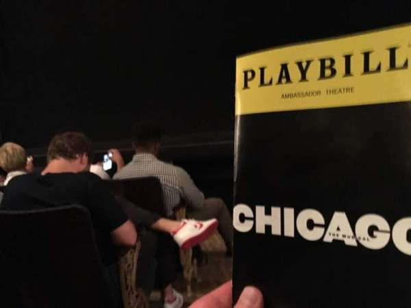 Ambassador Theatre, vak: OrchR, rij: B, stoel: 2
