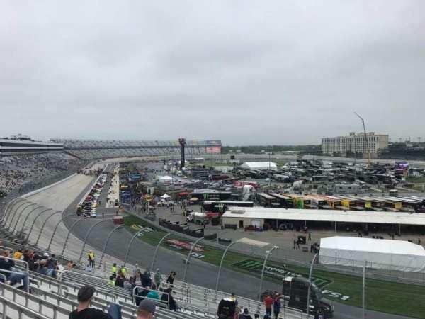 Dover International Speedway, vak: 225, rij: 24, stoel: 4
