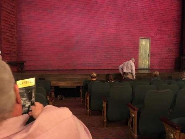 Shubert Theatre, vak: Orchestra L, rij: J, stoel: 1