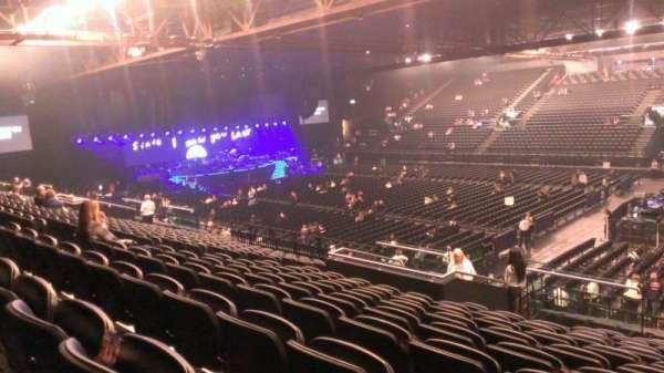 Genting Arena, vak: 13, rij: U, stoel: 422