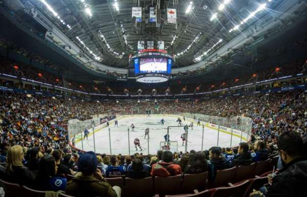 Rogers Arena, vak: 112, rij: 13, stoel: 6