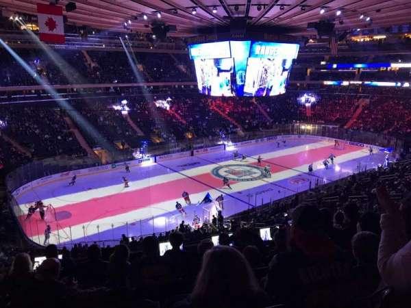 Madison Square Garden, vak: 208, rij: 7
