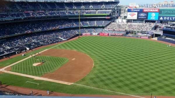 Yankee Stadium, vak: 413, rij: 1, stoel: 5