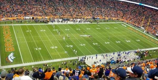 Broncos Stadium at Mile High, vak: 539, rij: 23, stoel: 1