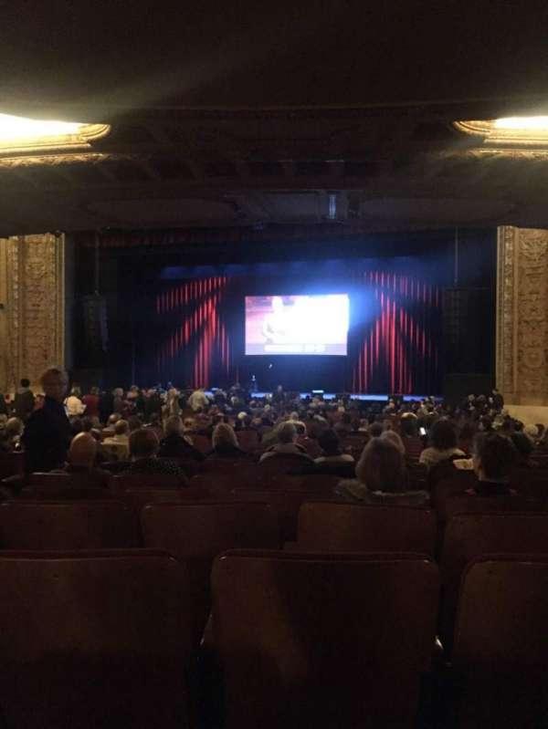Chicago Theatre, vak: MNFL3R, rij: R, stoel: 308