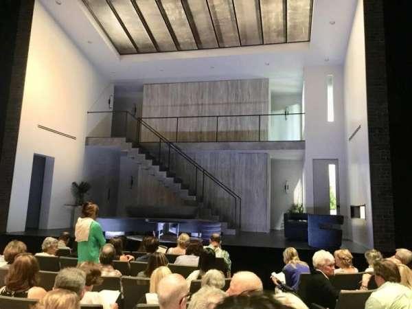Laura Pels Theatre, vak: Orchestra, rij: H, stoel: 102