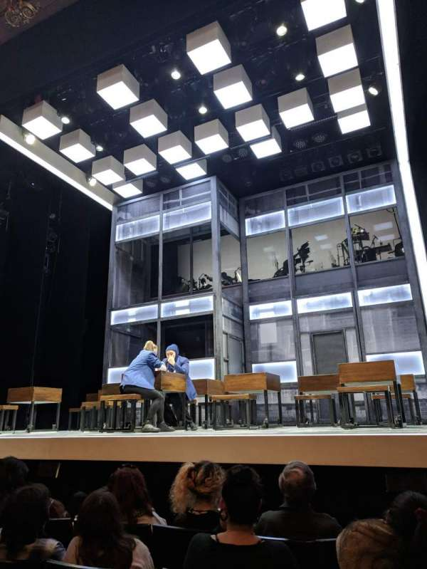 Apollo Theatre, vak: Stalls, rij: E, stoel: 5