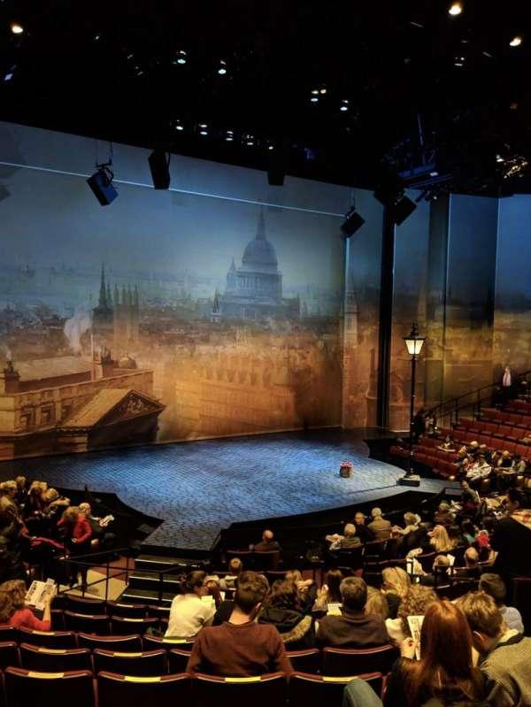 Vivian Beaumont Theater, vak: ORCH, rij: N, stoel: 207