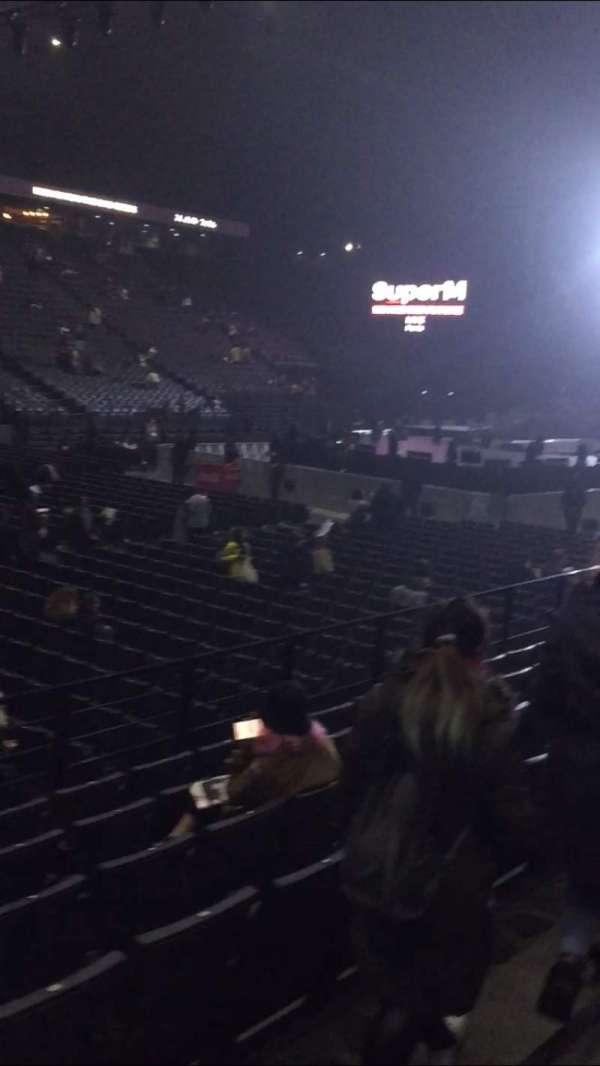 AccorHotels Arena, vak: D, rij: 22, stoel: 25