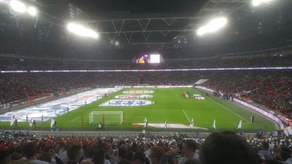 Wembley Stadium, vak: 111, rij: 44 ( back )