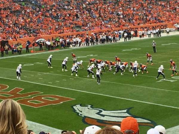 Broncos Stadium at Mile High, vak: 128, rij: 25, stoel: 37