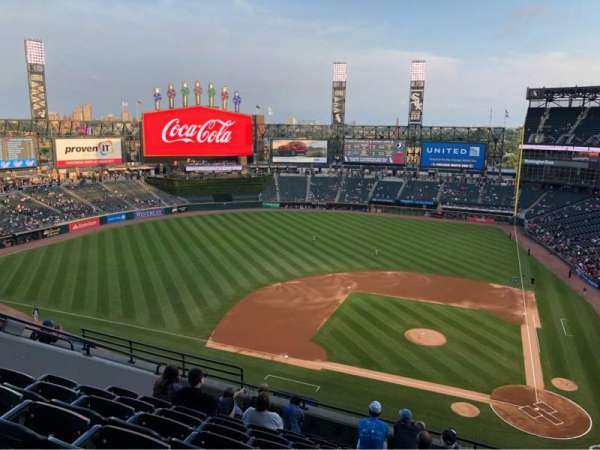Guaranteed Rate Field, vak: 537, rij: 9, stoel: 11