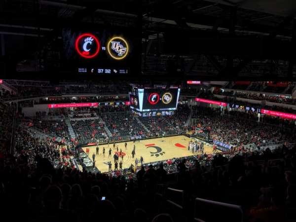 Fifth Third Arena, vak: 219, rij: 20, stoel: 1