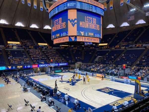 WVU Coliseum, vak: 104, rij: H, stoel: 2
