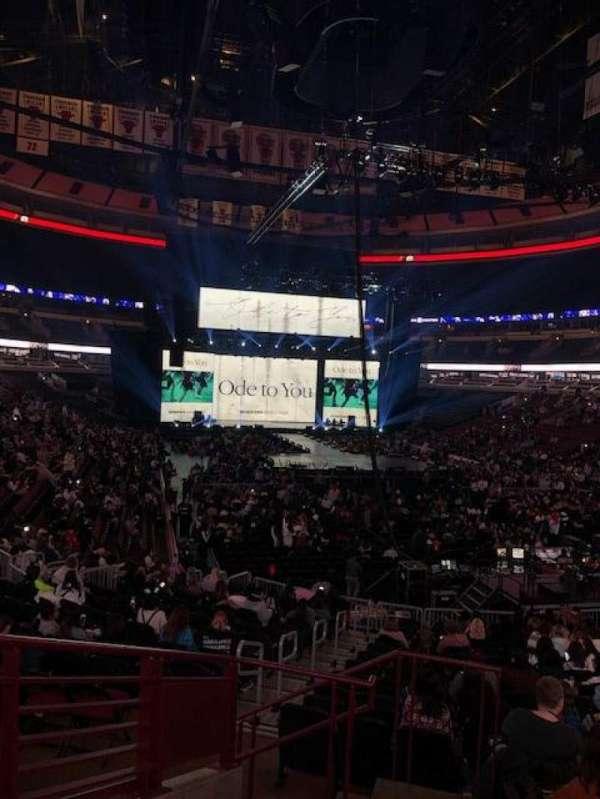 United Center, vak: 107, rij: 19, stoel: 21