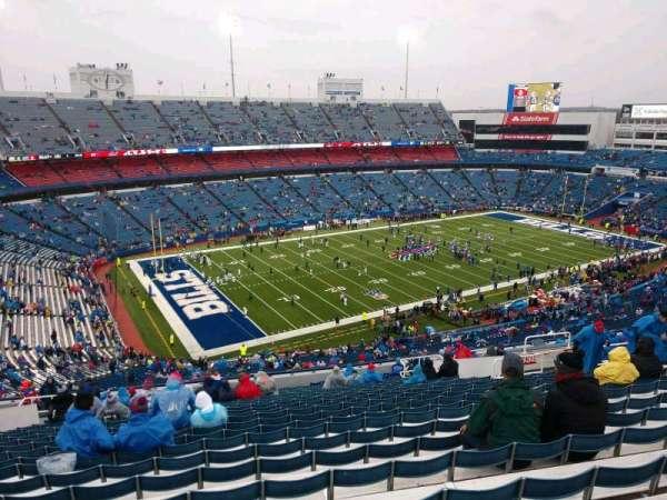 New Era Field, vak: 338, rij: 25, stoel: 17