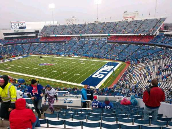 New Era Field, vak: 306, rij: 20, stoel: 6