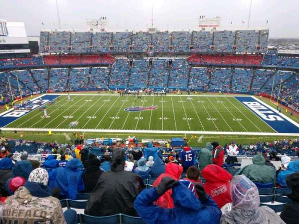 New Era Field, vak: 311, rij: 22, stoel: 13