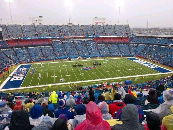 New Era Field, vak: 313, rij: 27, stoel: 22