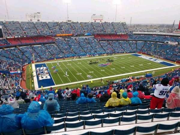New Era Field, vak: 315, rij: 34, stoel: 16